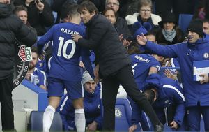 Eden Hazard i Antonio Conte (Foto: AFP)