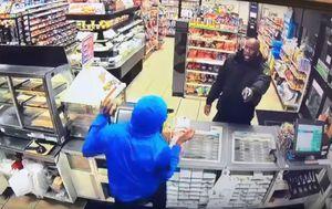 \'Na krivog ste naletjeli\', poručio je taj čuvar kriminalcima (FOTO: YouTube/Screenshot)