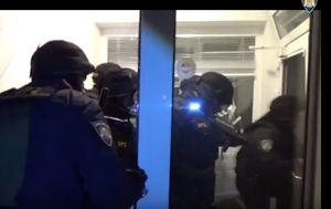 Akcija policije u kojoj je oslobođeno 59 Kineza (Screenshot)