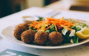 Falafel u Zrno bio bistrou