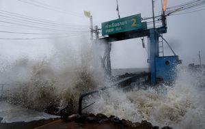 Oluja Pabuk pogodila je Tajland (Foto: AFP) - 2