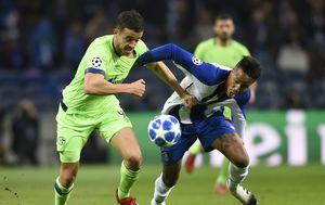 Eder Militao protiv Schalkea (Foto: AFP)