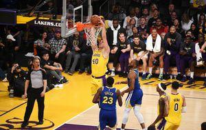 Ivica Zubac protiv Lakersa (Foto: AFP)