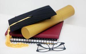 Diploma, ilustracija (Foto: Kristina Stedul Fabac/PIXSELL)
