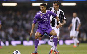 Cristiano Ronaldo i Mario Mandžukić (Foto: AFP)