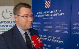 Sabina Tandara Knezović uživo s resornim ministrom Markom Pavićem (Foto: Dnevnik.hr) - 1