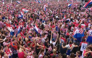 Navijači u Zagrebu (Dnevnik.hr)