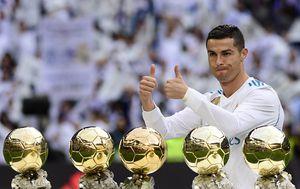 Cristiano Ronaldo i njegovih pet Zlatnih lopti (Foto: AFP)