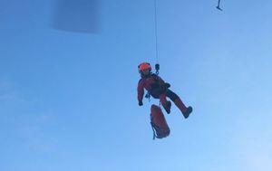 Zajedno s letačkom posadom u akciji spašavanja su sudjelovali i pripadnici Hrvatske gorske službe spašavanja (Foto: HGSS)