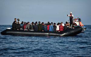 Brod s migranti (Foto: AFP)
