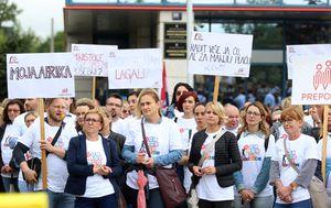 Prosvjed Preporoda zbog smanjenja plaća (Foto: Pixell)