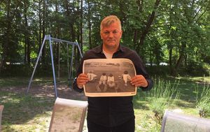 Ivan Gudelj sa zahvalnicom iz projekta Za sva vrimena (Foto: Naš Hajduk)