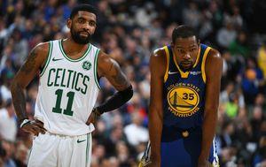Kyrie Irving i Kevin Durant (Foto: AFP)