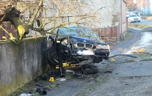 "BMW-om se \""popeo\"" na ogradu (Foto: Požega.eu)"