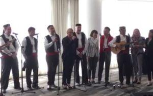 Kolinda Grabar-Kitarović zapjevala u Čileu (Screenshot: Ured predsjednice)