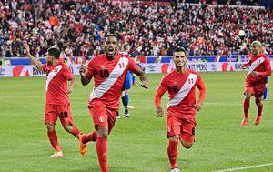 Nogometaši Perua (Foto: AFP)