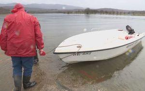 Kosinj i dalje poplavljen (Foto: Dnevnik.hr) - 3