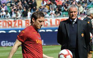 Francesco Totti i Claudio Ranieri (Foto: AFP)