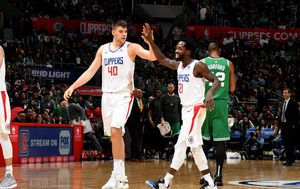 Ivica Zubac i Patrick Beverly (Foto: AFP)