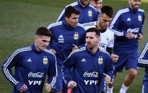 Lionel Messi na treningu Argentine (Foto: AFP)
