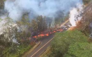 Otvorile se nove pukotine u blizini vulkana (Screenshot: Reuters)