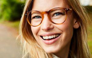Žena s naočalama