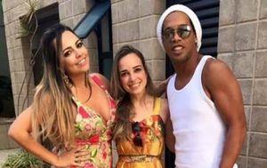 Ronaldino s djevojkama (Foto: Instagram)
