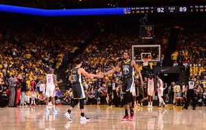 Stephen Curry i Kevin Durant (Foto: AFP)