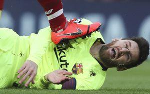 Lionel Messi na travnjaku (Foto: AFP)