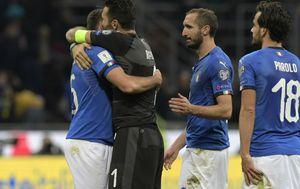 Nogometaši Italije nakon što se nisu plasirali na SP (Foto: AFP)