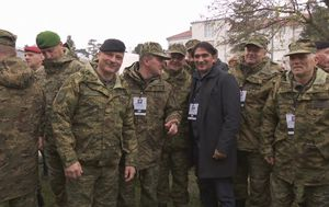 Zlatko Dalić s pripadnicima Hrvatske vojske (Foto: Dnevnik.hr)