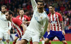 Cristiano Ronaldo i Juanfran (Foto: AFP)