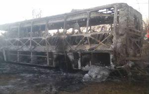 Izgorjeli autobus (Foto: Twitter/Zimbabwe Red Cross)