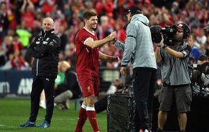 Steven Gerrard i Jürgen Klopp (Foto: AFP)