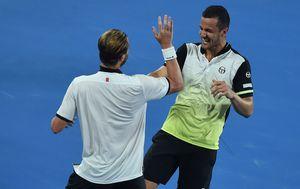 Pavić i Marach slave pobjedu (Foto: AFP)