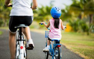 Majka i dijete na biciklu/Ilustracija (Foto: iStock / Getty Images Plus)