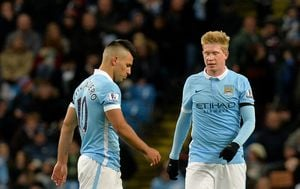 Sergio Aguero i Kevin De Bruyne (Foto: Martin Rickett/Press Association/PIXSELL)