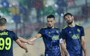 Arijan Ademi i Bruno Petković (Foto: AFP)