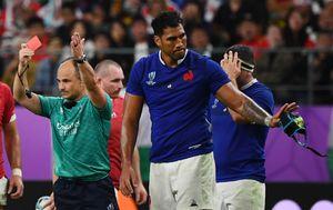 Sebastien Vahaamahina je dobio crveni karton (Foto: AFP)