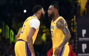 Anthony Davis i LeBron James (Foto: AFP)