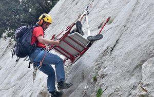 Spašavatelj HGSS-a (Foto: Arhiva/Dino Stanin/PIXSELL)