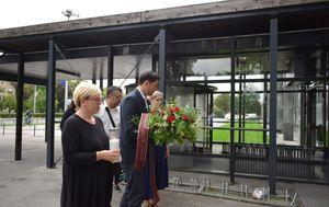 Vodstvo SDP-a polaže vijenac (Foto: SDP)