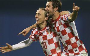 Luka Modrić i Darijo Srna (Foto: Sanjin Strukic/PIXSELL)
