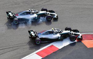 Lewis Hamilton i Valtteri Bottas na stazi (Foto: AFP)