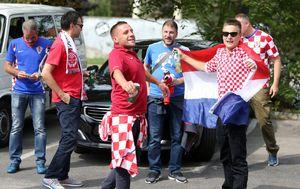 Hrvatski navijači u Slovačkoj (Foto: Davor Javorovic/PIXSELL)