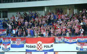 Hrvatski navijači u Bakuu (Foto: Luka Stanzl/PIXSELL)