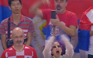 U hrvatskom dresu s navijačima Srbije (Screenshot)