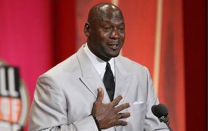 Uplakani Michael Jordan ulazi u Kuću slavnih (Foto: AFP)