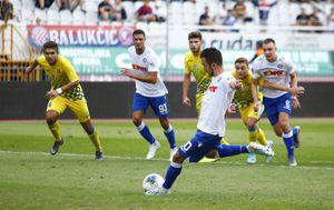 Mijo Caktaš zabio iz jedanaesterca protiv Inter Zaprešića (Foto: Milan Šabić/PIXSELL)