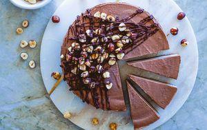 Ilustracija cheesecake od čokolade i lješnjaka